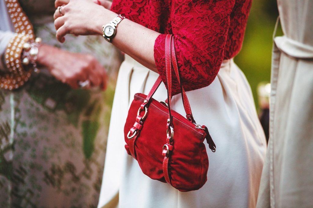 財布の裏地が赤は風水的にOK?自分に合う財布の色で幸運を掴む!